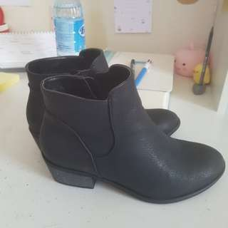 Billini Black ankle boots size 7