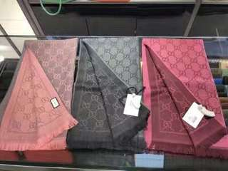 Gucci 經典款熱賣款頸巾