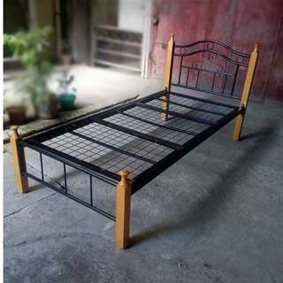 AFFORDABLE BARGAIN SALE BED FRAME  (SINGLE SIZE )