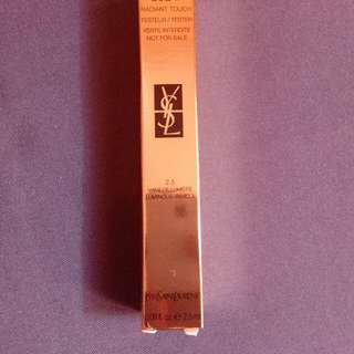 YSL TOUCHE ECLAT Radiant Touch Concealer 2.5 Luminous Vanilla YVES SAINT LAURENT