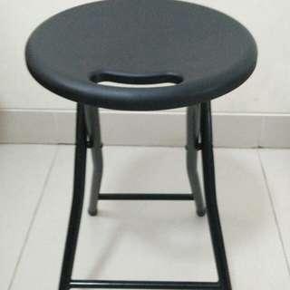 kursi hitam