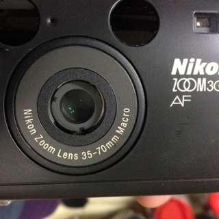 🚚 Nikon zoom 300 af 美品 稀有 35 70mm 廣角 含皮套 背帶 電池
