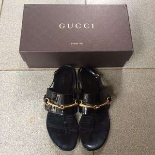 Gucci Ursula Patent Leather Thong (size 38)