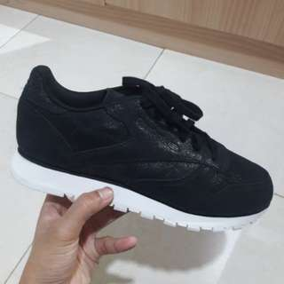 Reebok Classic Leather Size 37