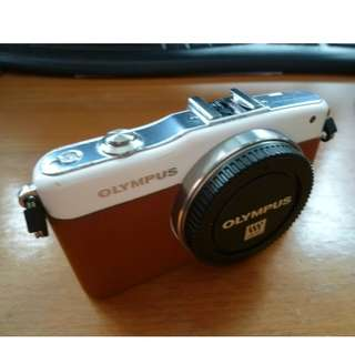 Olympus Pen E-PM1 [Body Only]