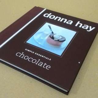 Buku Import Simple Essentials Chocolate by Donna Hay