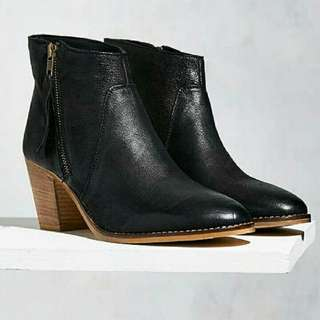 UO Faye Leather Boot