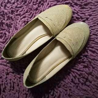Urban & Co glitter gold flatshoes