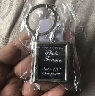 High quality metal frame photo keychain.