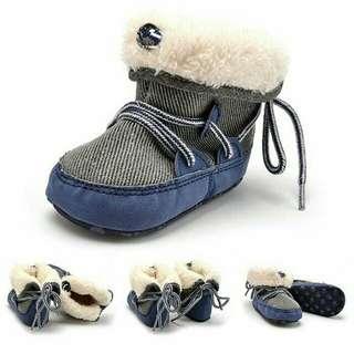 Sepatu Boots prewalker