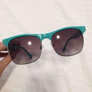 Aeropostale shades