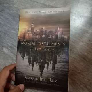 2nd hand City of Bones