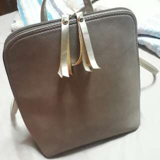 EGG Backpack in Taupe