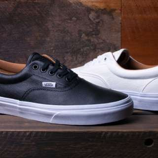 For sale 2 Vans Classic Tumble Era Black/white