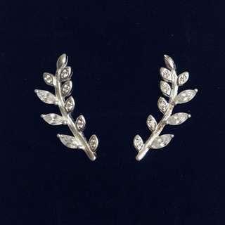 Stud Earrings w/ Stone
