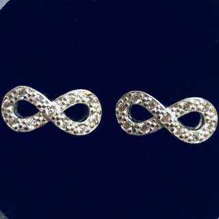 Infinity Earrings w/ Stone