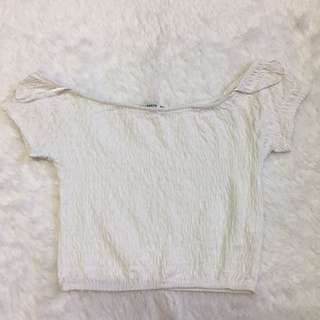 Pull and bear off shoulder
