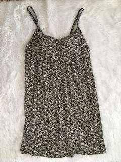 UNIQLO sleeveless dress w/ bra pads: XL