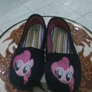 Sepatu little pony