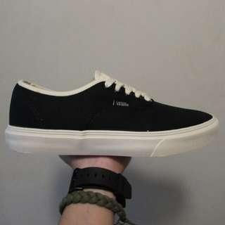 Vans Black Bone + Skate Socks Bundle 👌