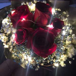 Valentine gift- red roses with fairy lights
