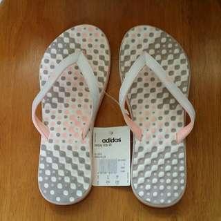 Adidas沙灘拖鞋