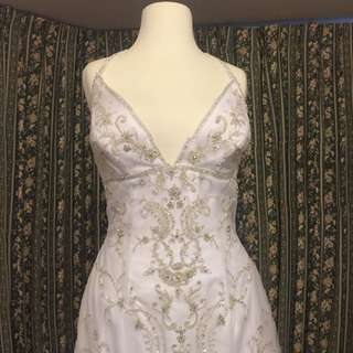WEDDING DRESS BY Private collection