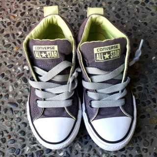 Converse sneakers (Authentic)