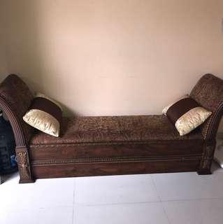 Sofa panjang
