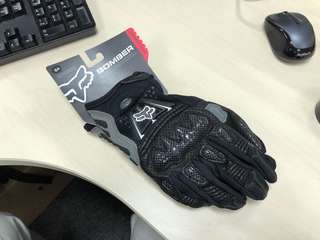 Fox riding gloves with knuckle protection.