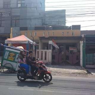 Dijual cepat Rumah 2.5 lantai di jln. Mardani Raya. Jakarta Pusat