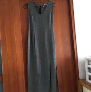 🚚 灰色輕材質洋裝