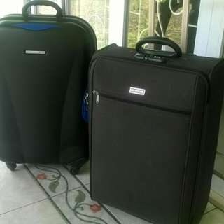 Sepasang koper