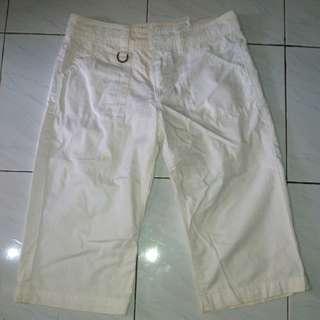 Celana bahan putih