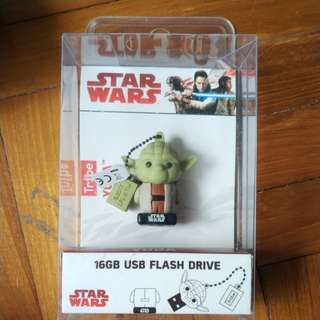 Yoda 16 GB flash drive