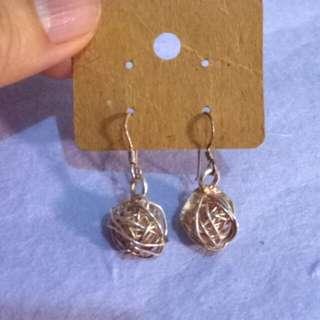 金色耳環 ear rings