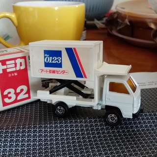 Tomica tomy 車 32號 日本製 Made in Japan