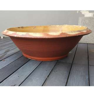Large flower and plant pot (Very Good Condition)