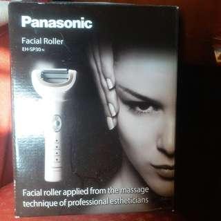 Facial rollwer
