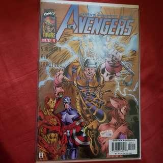 Lot 3 : Avengers Comics (2 books)