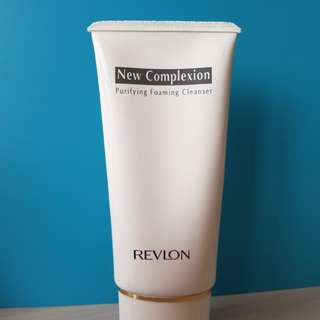 Nail remover plus foaming cleanser
