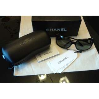 REPRICED!! Pre💓 CHANEL sunnies..💯 authentic..Good as new.. Used once..