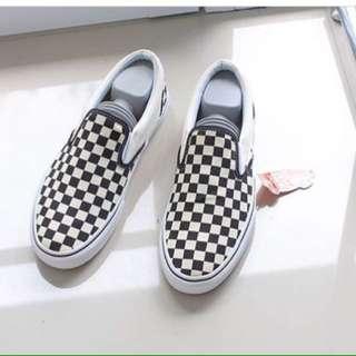 Checkerboard Size 42 (BNIB)