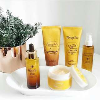 Skincare Set True Island Honey Bee Venom