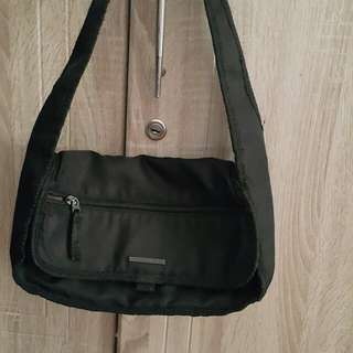 United Colors of Benetton shoulder bag (authentic)