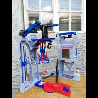 SPIDERMAN Flip and Trap Playset