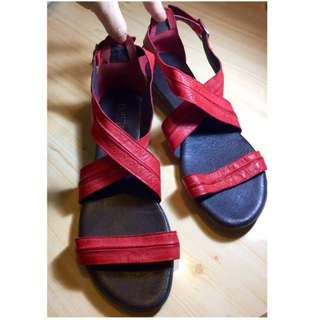 Brand New Real Leather Upper Ladys Women Red Sandals Wedges High Heels Size 41 UK 7 全新 真皮 牛皮 紅色 涼鞋 鞋 高跟鞋 增高鞋 party cocktail dinner Super Soft and Light  大碼 鞋 女鞋 Burgundy 酒紅 紅 Sharp Summer mules gladiator 羅馬鞋 holiday 度假 resort Summer 夏天 #byebyesummer