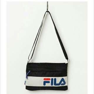 收FILA 肩背包