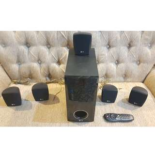 Original LG Home Theater Speakers (  LG Model SH33SD-W Subwoofer 8 Ohm ) & 4 speakers ( SH33SD-S 4 Ohm ) for Home Theater, HI FI, Nice Tested