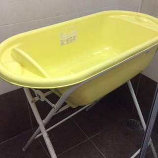 Baby Bath tub with stand from MOTHERCARE